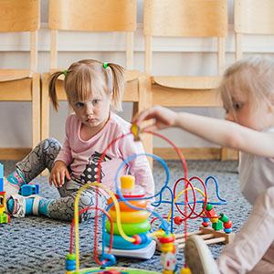 Aprire un asilo nido: adempimenti e requisiti professionali