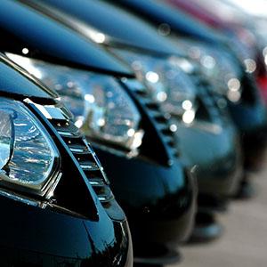 Auto aziendali, costi sotto controllo