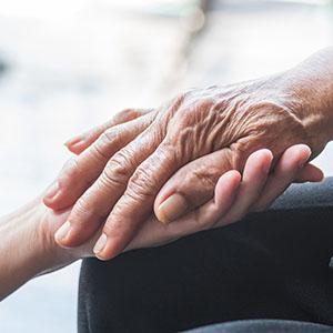 Legge 104: pensione anticipata per chi assiste disabili